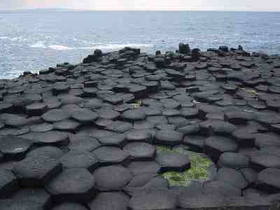 Description: http://www.everythingselectric.com/images/giantscauseway-ireland-basalt-columns-forum.jpg